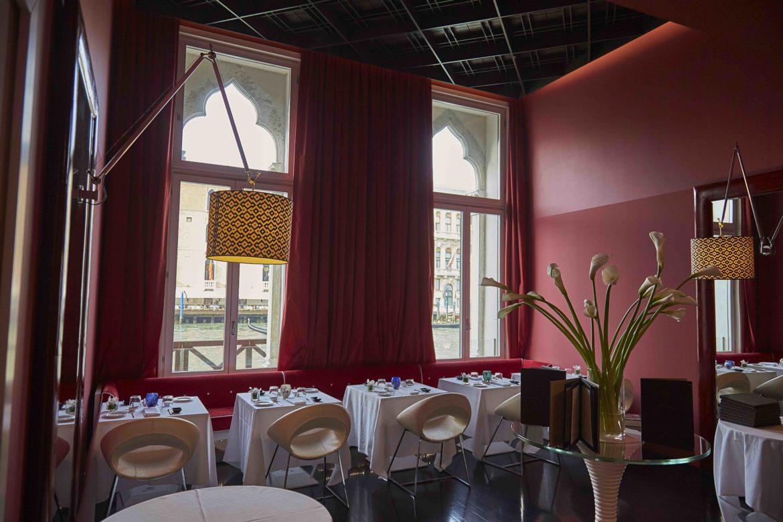 Nuovo Menu Bistrot all'Antinoo's Lounge Restaurant di Venezia