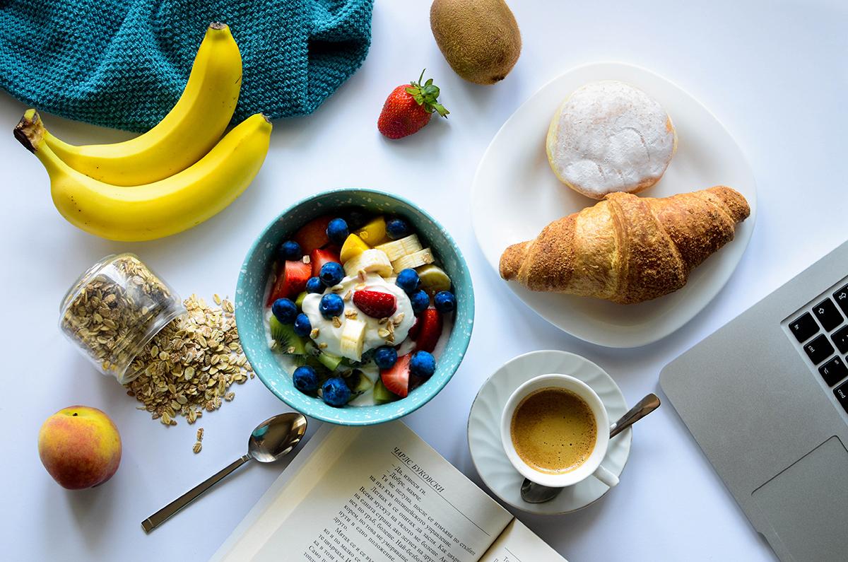 Suwww.iocominciobene.it 10 consigli per una colazione estiva buona e salutare