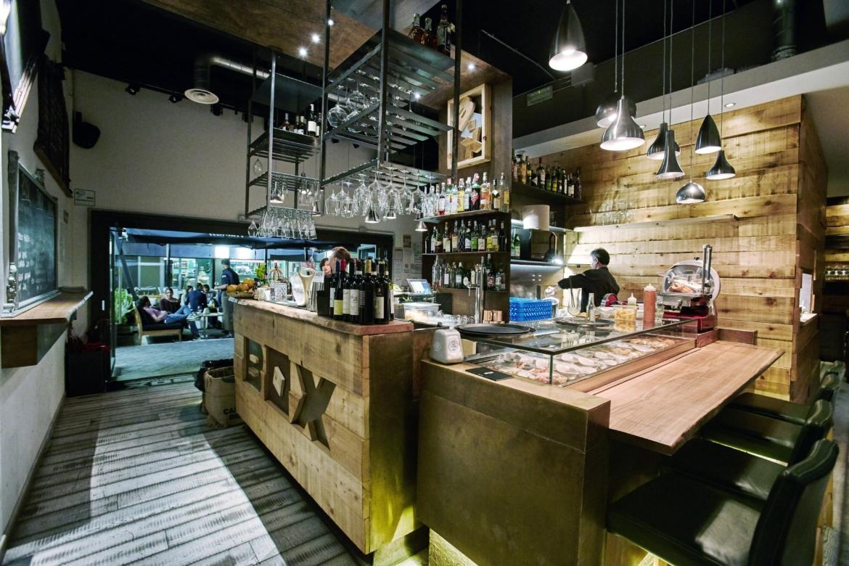 Sette piatti per sette cocktail : box caffè abbina cucina e mixology