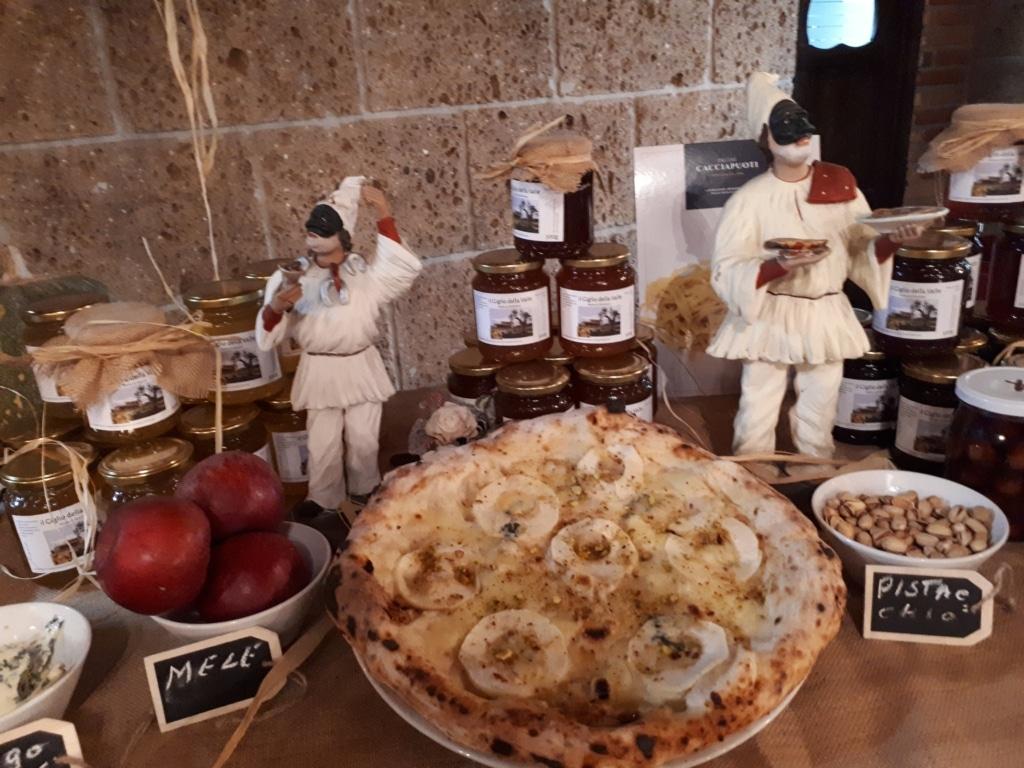 Presentata la nuova pizza Bianca Miele  al Giglio della Valle