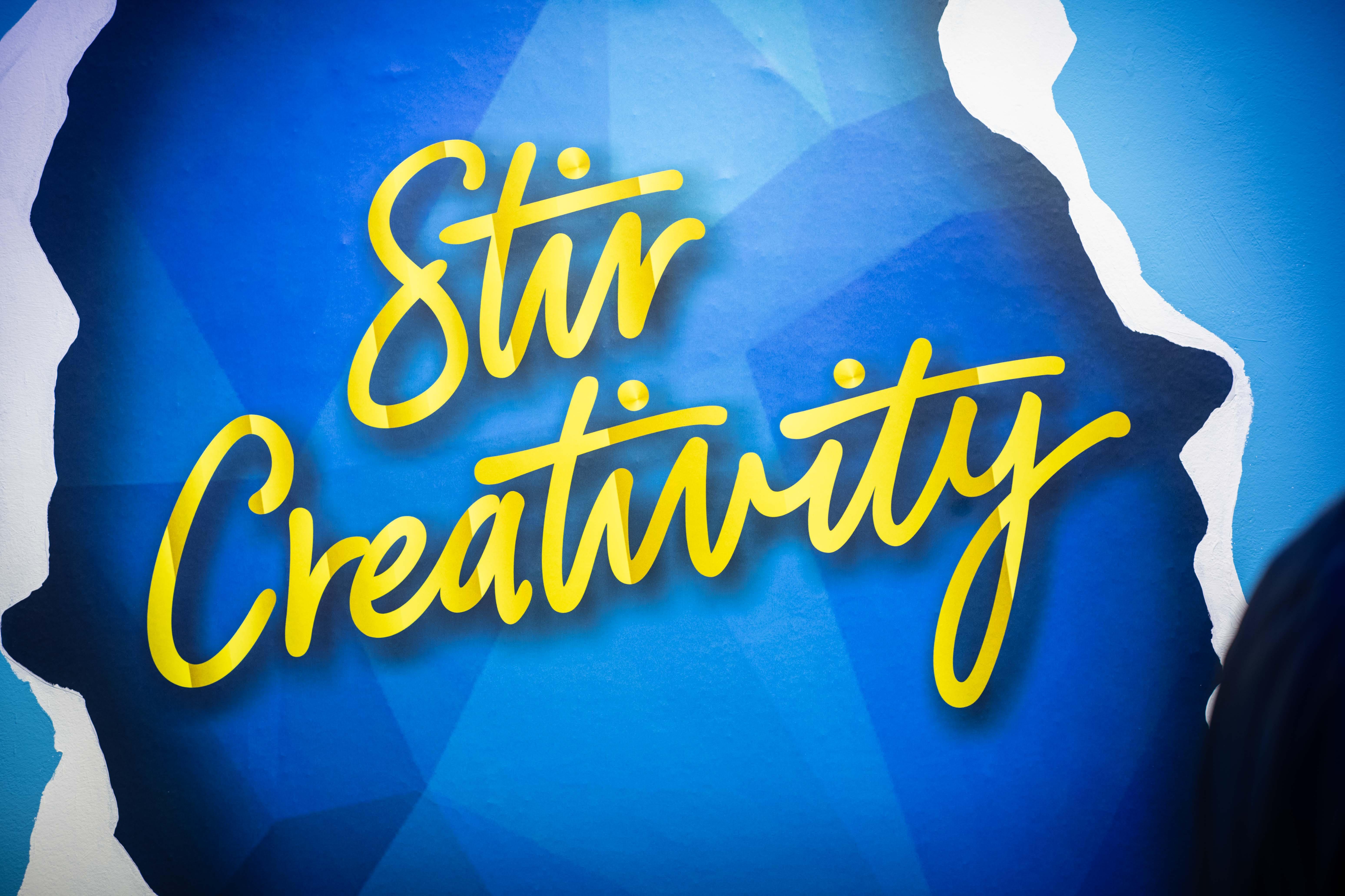 Al Canvas Bar di Bombay Sapphire tappa milanese della campagna Stir Creativity